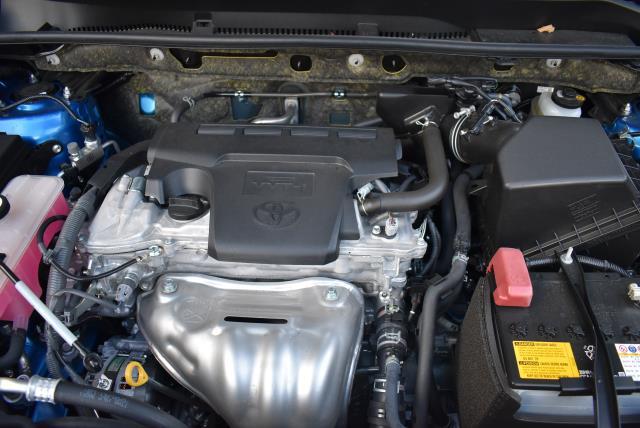 2018 Toyota RAV4 LE 10