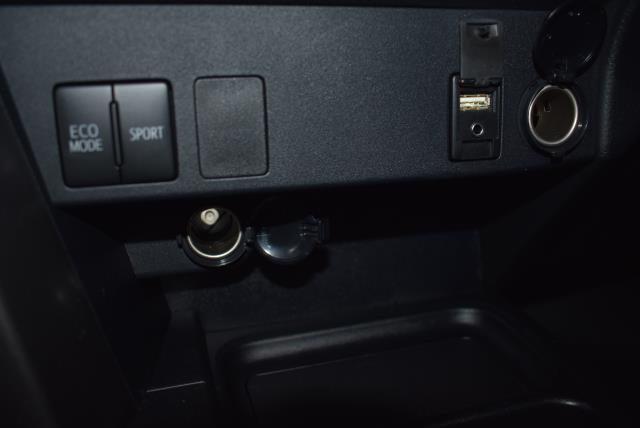2018 Toyota RAV4 LE 18