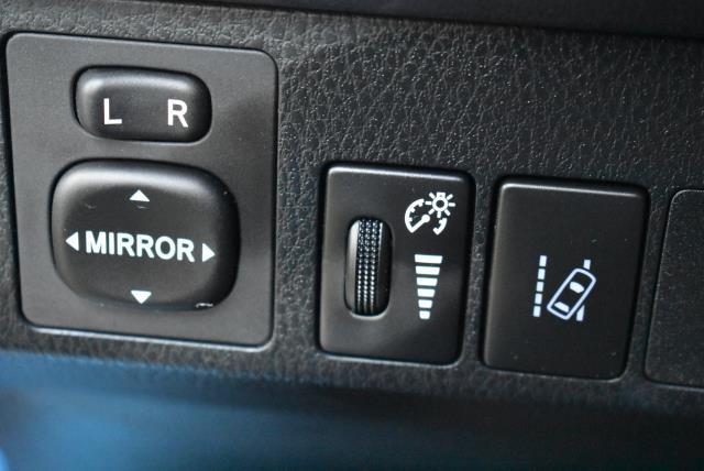 2018 Toyota RAV4 LE 25