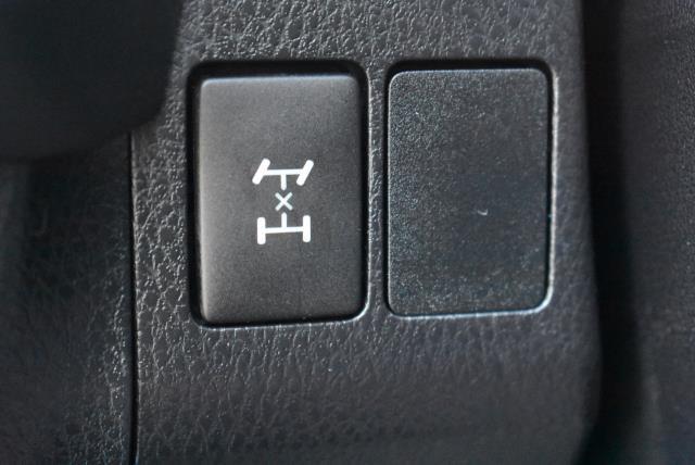 2018 Toyota RAV4 LE 26