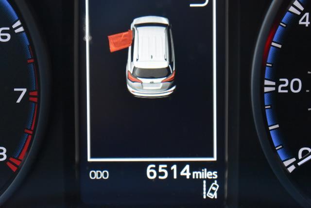 2018 Toyota RAV4 LE 27