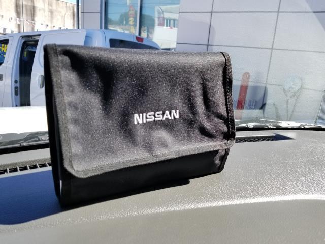2017 Nissan NV Cargo S 23
