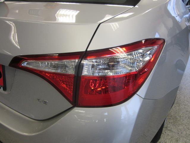 2016 Toyota Corolla LE 7