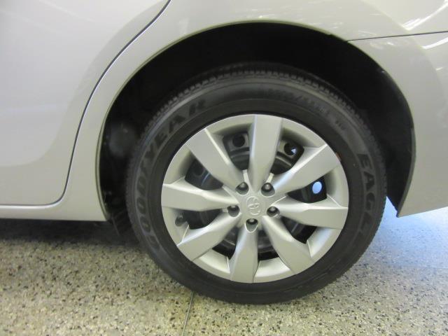 2016 Toyota Corolla LE 8