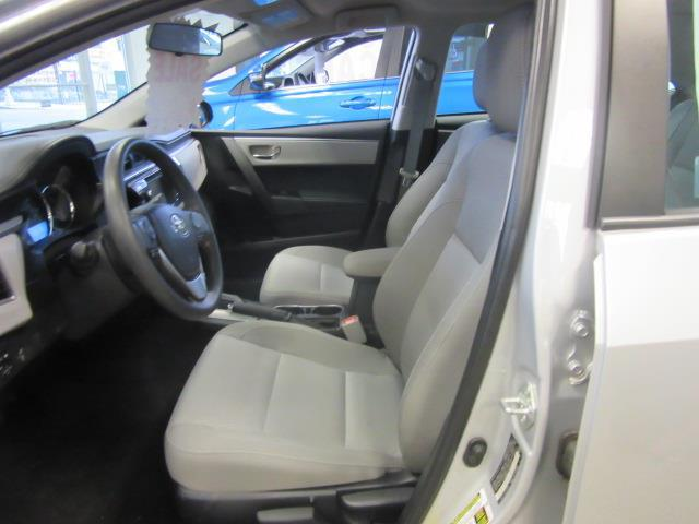 2016 Toyota Corolla LE 9