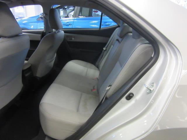 2016 Toyota Corolla LE 10