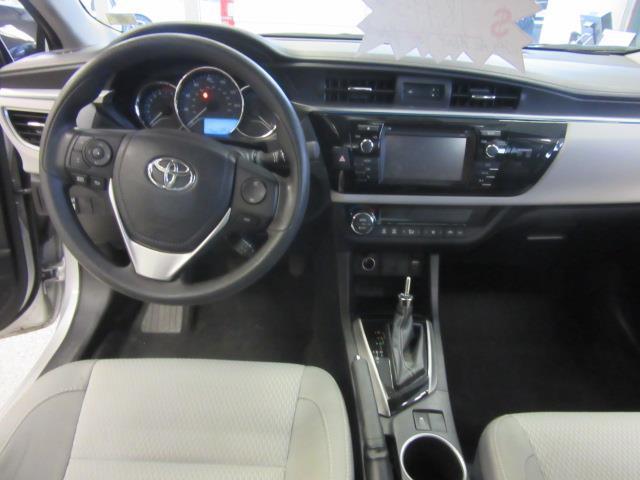 2016 Toyota Corolla LE 11