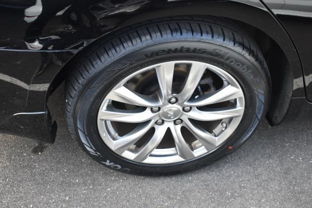 2015 INFINITI Q70 4dr Sdn V6 AWD 3