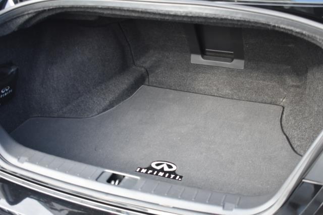 2015 INFINITI Q70 4dr Sdn V6 AWD 4