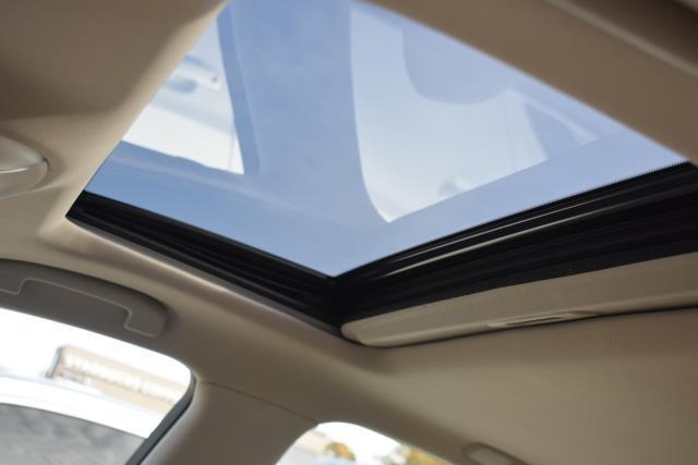 2015 INFINITI Q70 4dr Sdn V6 AWD 11