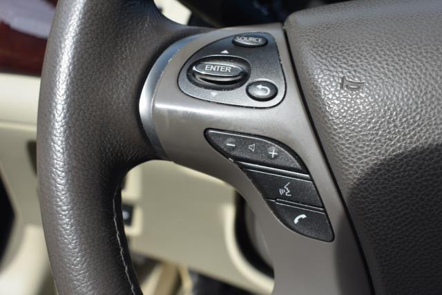 2015 INFINITI Q70 4dr Sdn V6 AWD 14