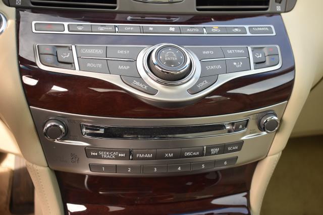 2015 INFINITI Q70 4dr Sdn V6 AWD 17