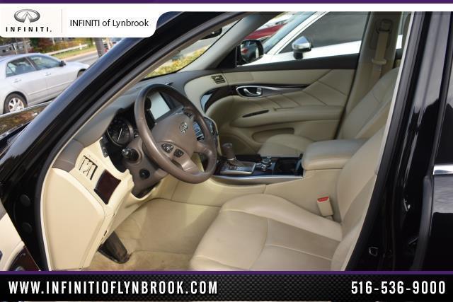 2015 INFINITI Q70 4dr Sdn V6 AWD 6