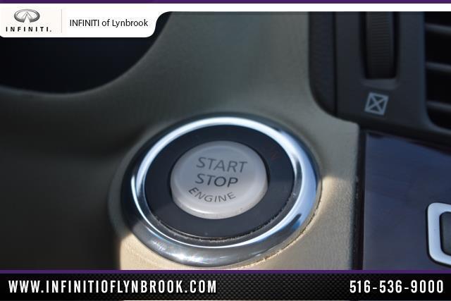 2015 INFINITI Q70 4dr Sdn V6 AWD 16