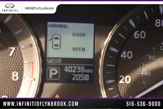 2015 INFINITI Q70 4dr Sdn V6 AWD 21