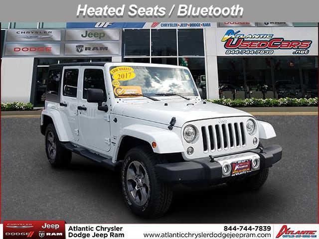 Bright White Clearcoat 2017 Jeep Wrangler Unlimited SAHARA SUV Huntington NY
