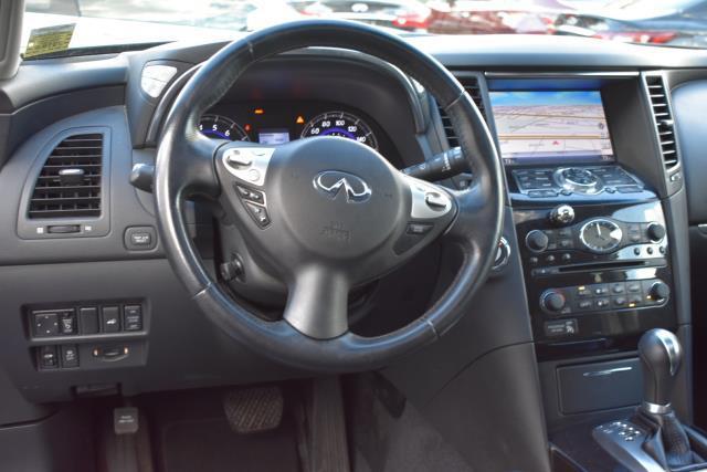 2015 INFINITI QX70 AWD 4dr 5