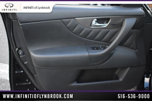 2015 INFINITI QX70 AWD 4dr 7