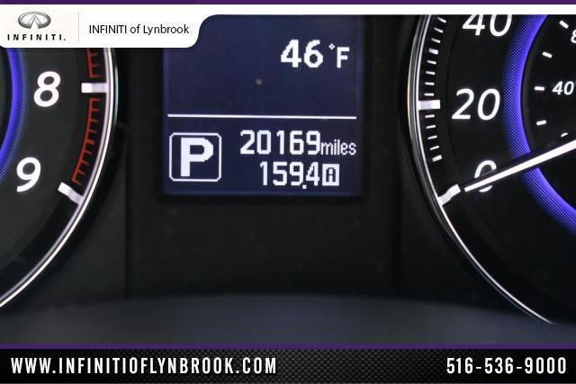 2015 INFINITI QX70 AWD 4dr 23