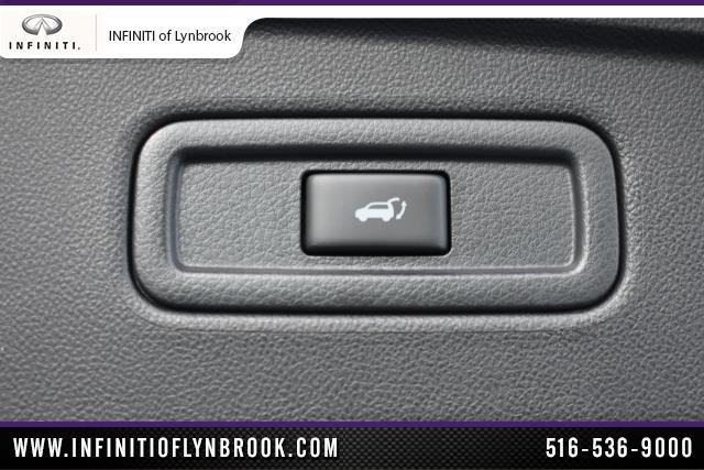 2015 INFINITI QX70 AWD 4dr 26