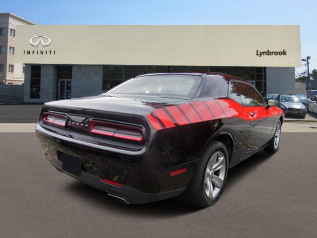 2016 Dodge Challenger SXT 2