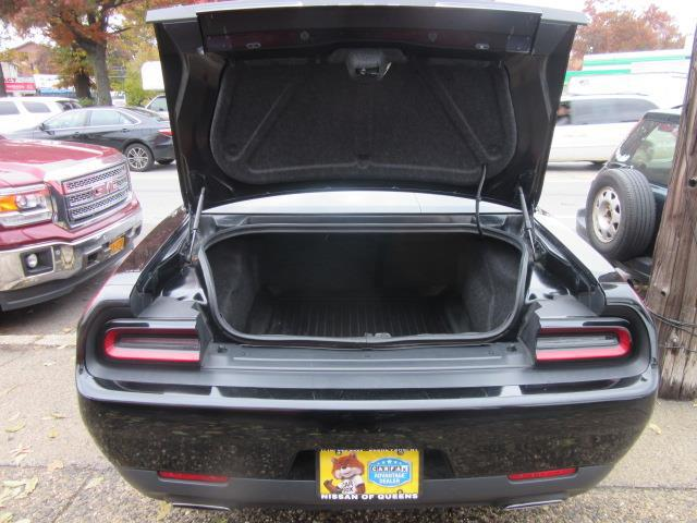 2016 Dodge Challenger SXT 3