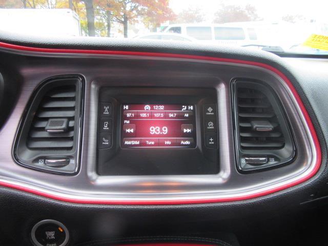 2016 Dodge Challenger SXT 21