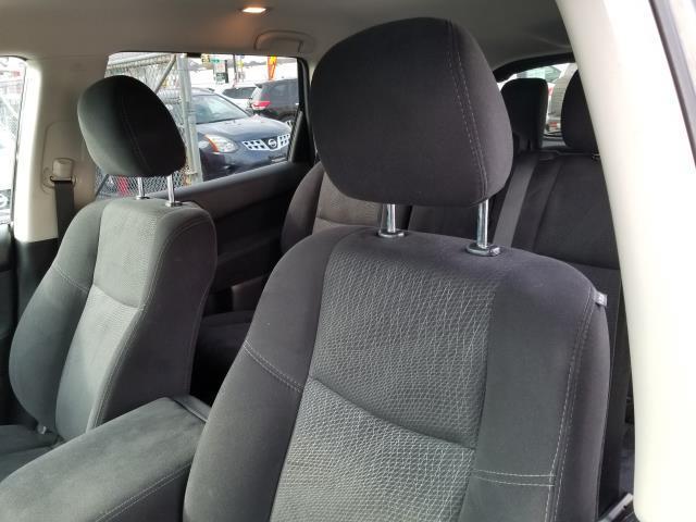 2015 Nissan Pathfinder S 10