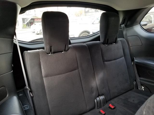 2015 Nissan Pathfinder S 17