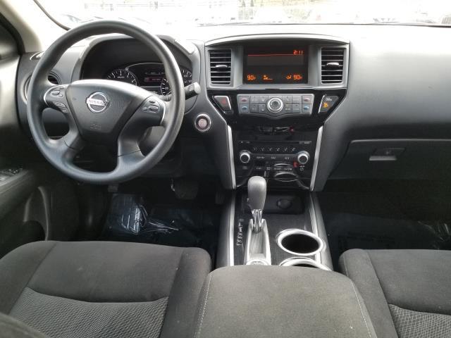 2015 Nissan Pathfinder S 18