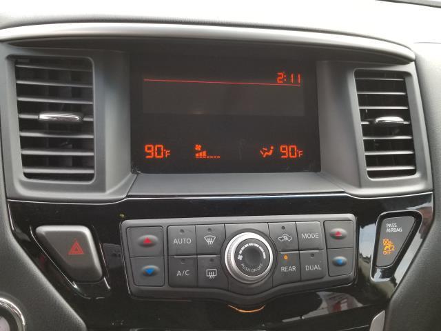 2015 Nissan Pathfinder S 22