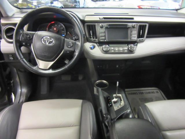 2015 Toyota RAV4 Limited 12