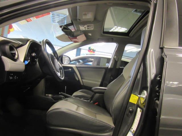 2015 Toyota RAV4 Limited 10
