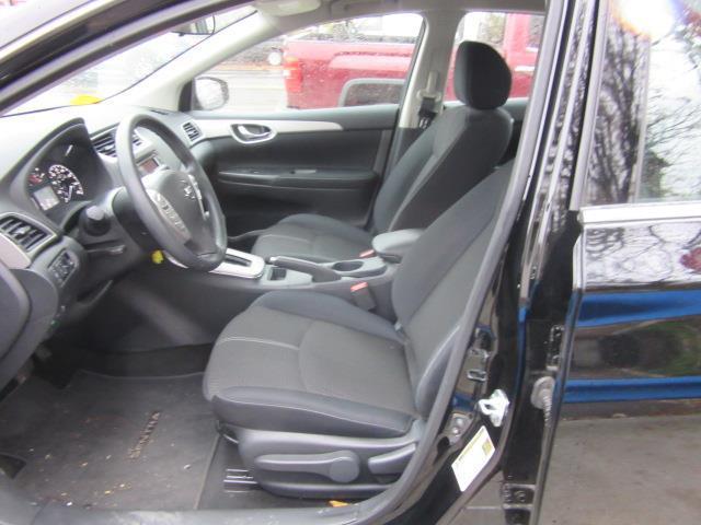 2015 Nissan Sentra S 9