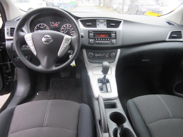 2015 Nissan Sentra S 11