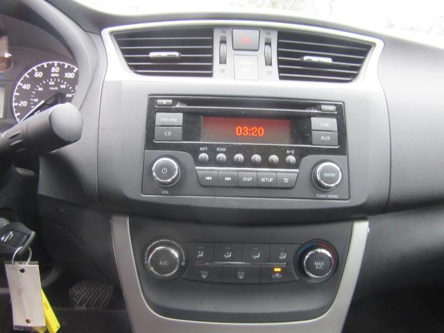 2015 Nissan Sentra S 23
