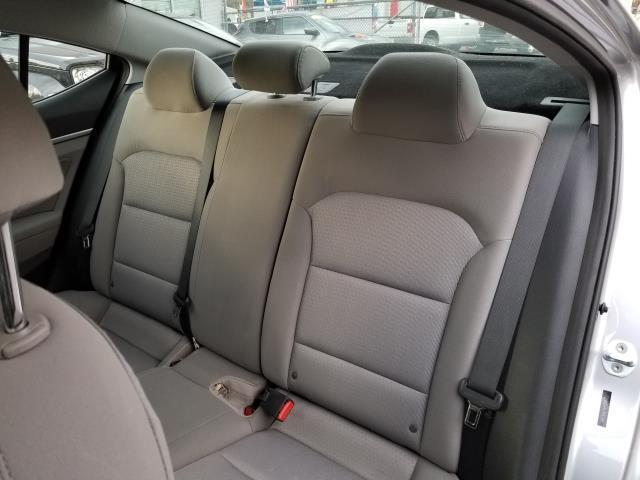 2017 Hyundai Elantra SE 11