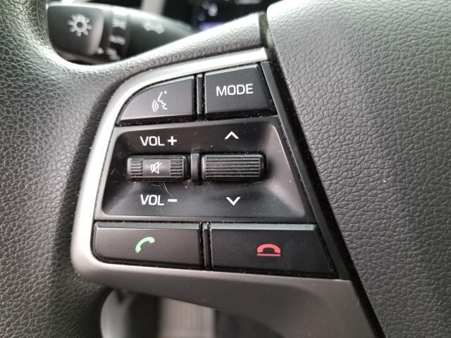 2017 Hyundai Elantra SE 19