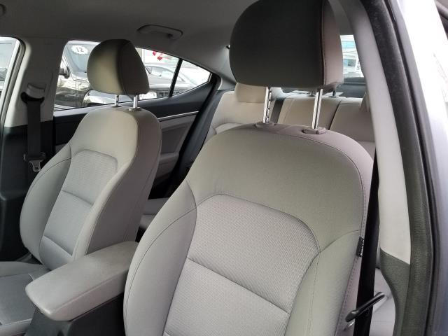 2017 Hyundai Elantra SE 10