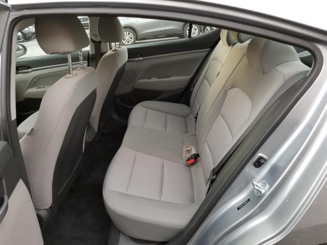 2017 Hyundai Elantra SE 9