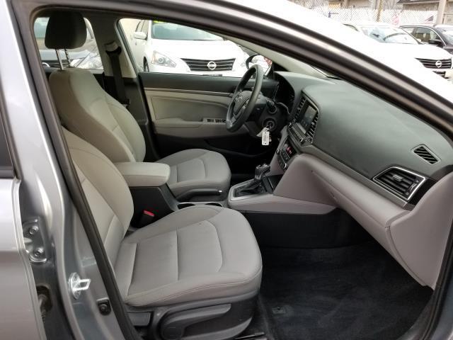 2017 Hyundai Elantra SE 12