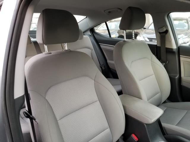 2017 Hyundai Elantra SE 14