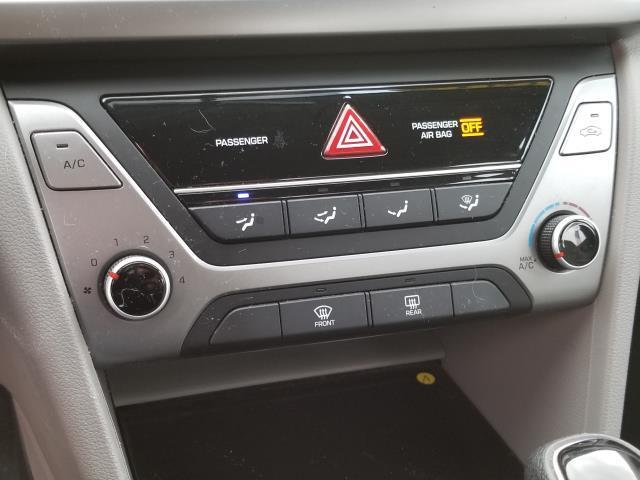 2017 Hyundai Elantra SE 21