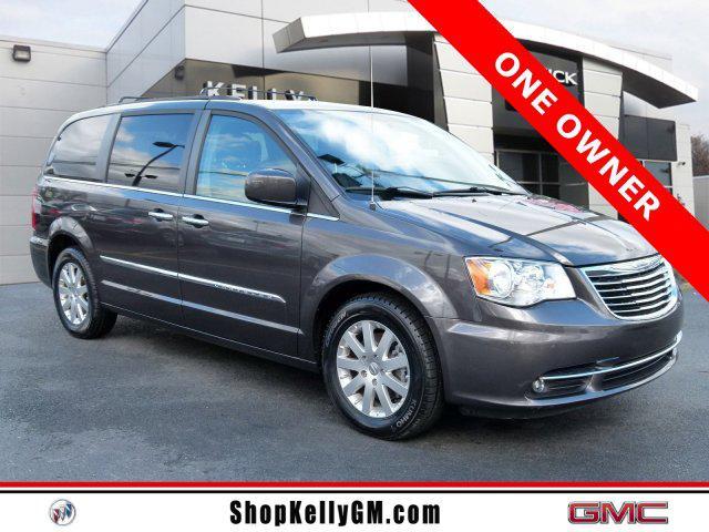 2016 Chrysler Town & Country TOURING Mini-van, Passenger