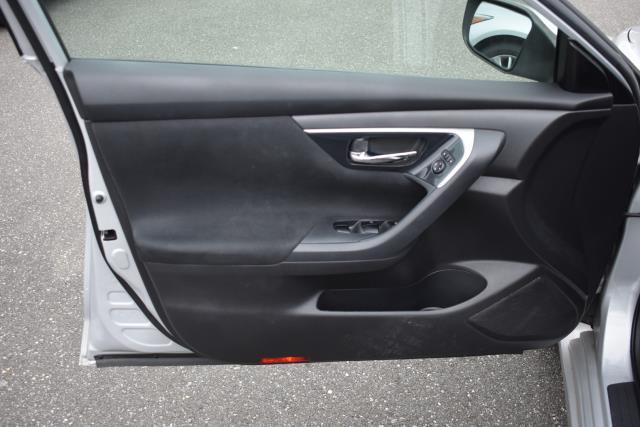 2014 Nissan Altima 2.5 SV 10