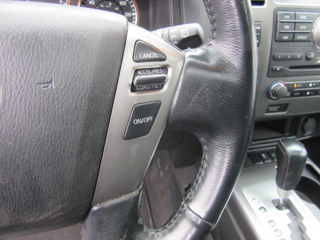 2013 Nissan Armada SL 19