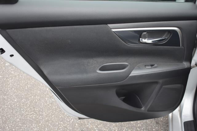 2014 Nissan Altima 2.5 SV 8