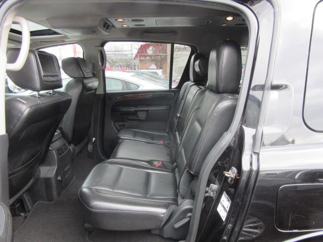 2013 Nissan Armada SL 11