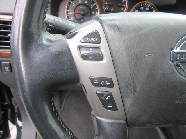2013 Nissan Armada SL 18