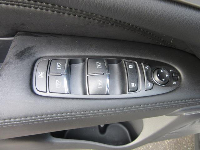 2015 INFINITI QX60 AWD 4dr 13